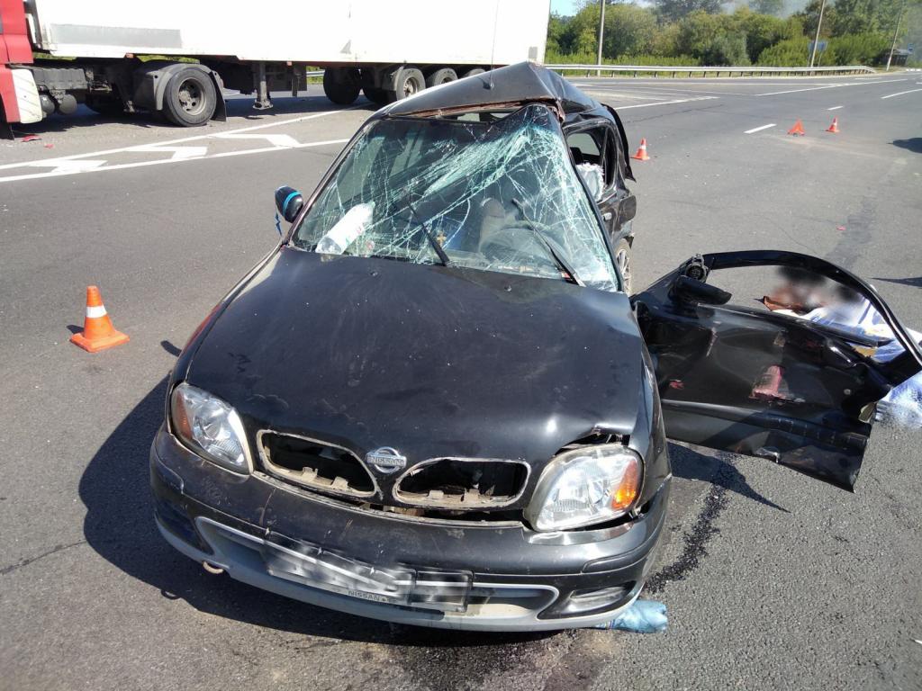 ВНижегородской области «Ниссан» врезался в грузовой автомобиль: шофёр умер