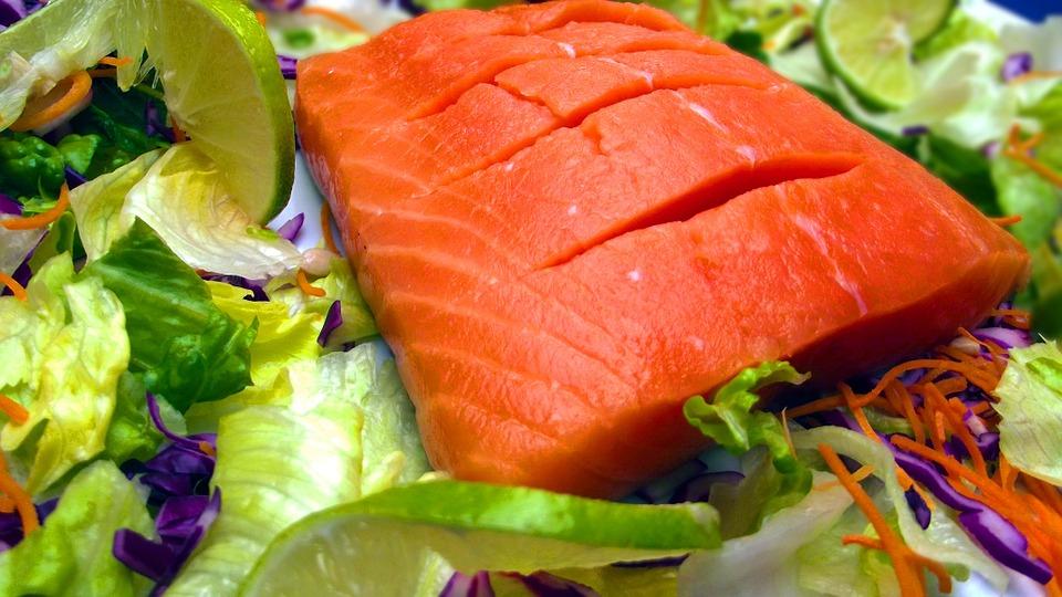 лосось рыба морепродукты