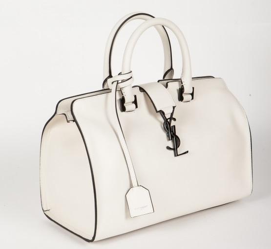 «Коллекция сумок Yves Saint Laurent приехала в Нижний Новгород не просто  так, а в качестве промо перед открытием официального корнера бренда Ив Сен- Лоран в ... 9e00d123a27