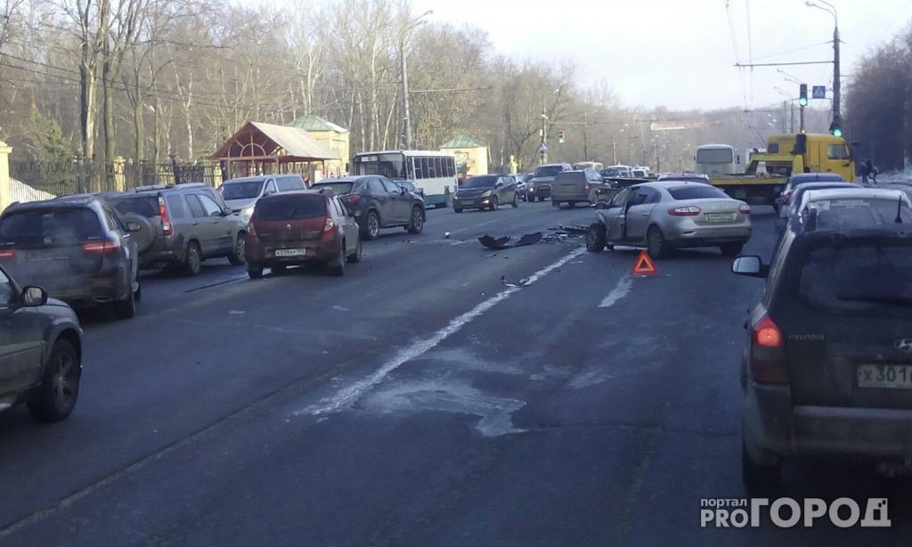 Из-за гололеда вНижегородском районе случилось массовое ДТП