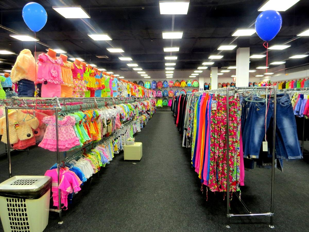 05f4ded08ed109 В магазине есть и одежда для самых маленьких, которые чудесно будут  выглядеть на утреннике в детском саду и на уроке в школе.