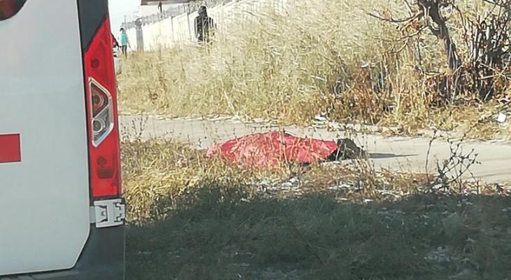 На улице Деловой в Нижнем Новгороде умер прохожий (ФОТО)