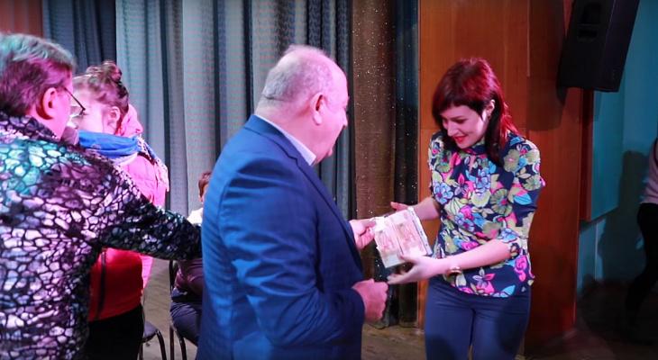 Покаталась на маршрутке и получила 25 000 рублей: руководство Т-78 дарит призы