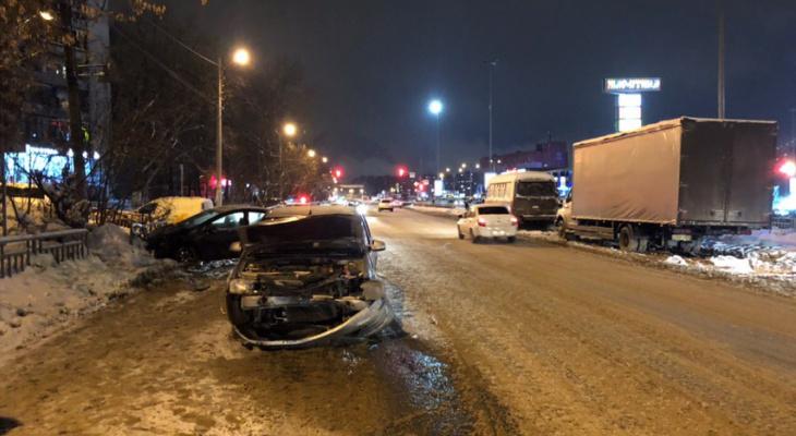 Нижегородец ищет свидетелей аварии, произошедшей в Советском районе 16 января (ФОТО)