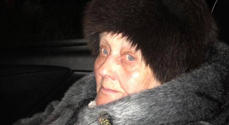 Нижегородские волонтеры ищут родственников найденной бабушки