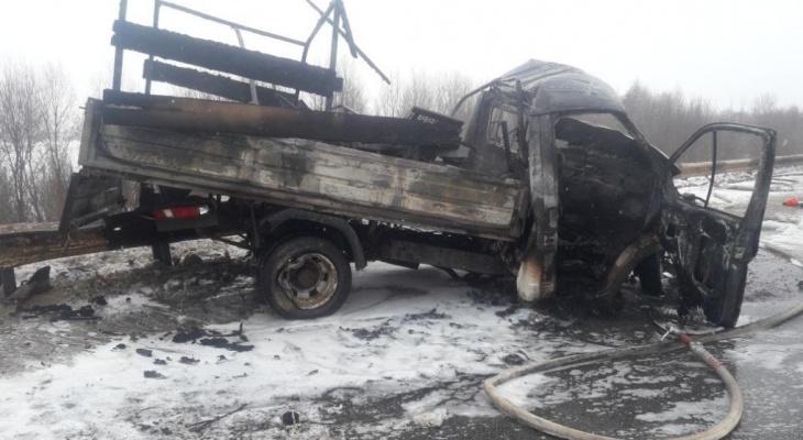 Мужчина заживо сгорел в машине в результате ДТП в Уренском районе 12 марта