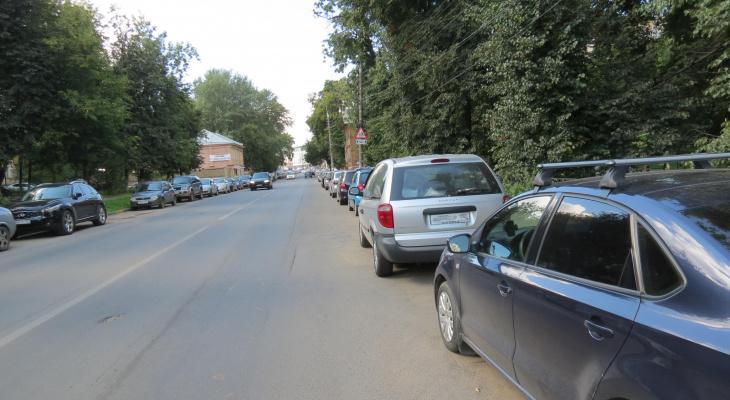 Движение автомобилей изменили на улице Зеленодольской Нижнего Новгорода