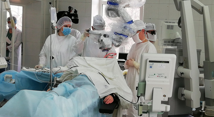 Уникальную операцию по удалению злокачаственной опухоли впервые провели в Нижнем Новгороде
