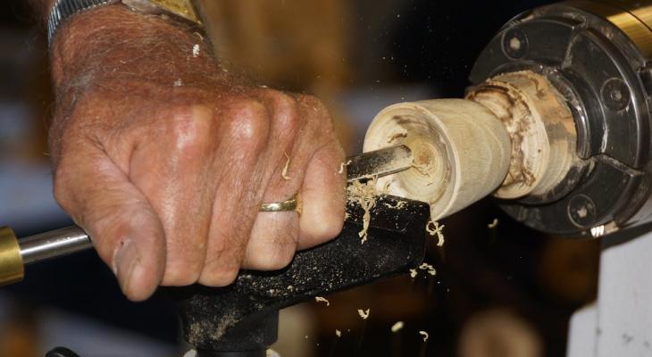 Пальцы руки оторвало станочнику Заволжской мебельной фабрики