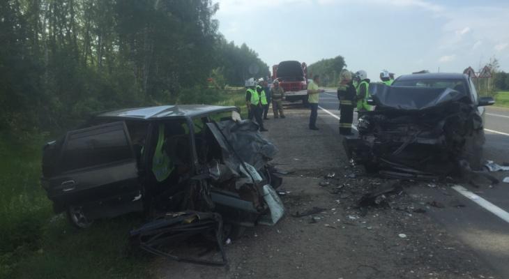 Два человека погибли в страшной аварии в Воротынском районе (ФОТО)