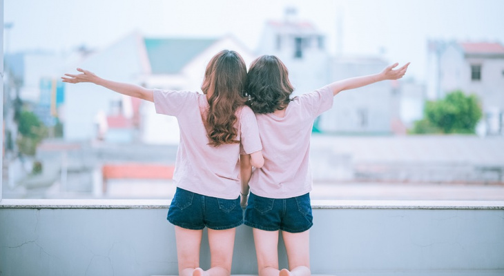 У меня нет пары, я одинока: несовершеннолетняя девочка из Сарова ищет себе девушку (ВИДЕО)