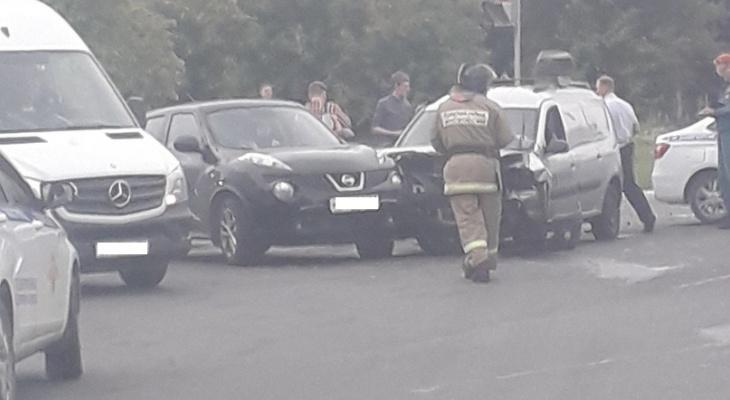 Массовое ДТП в центре Нижнего Новгорода: столкнулись три автомобиля (фото)