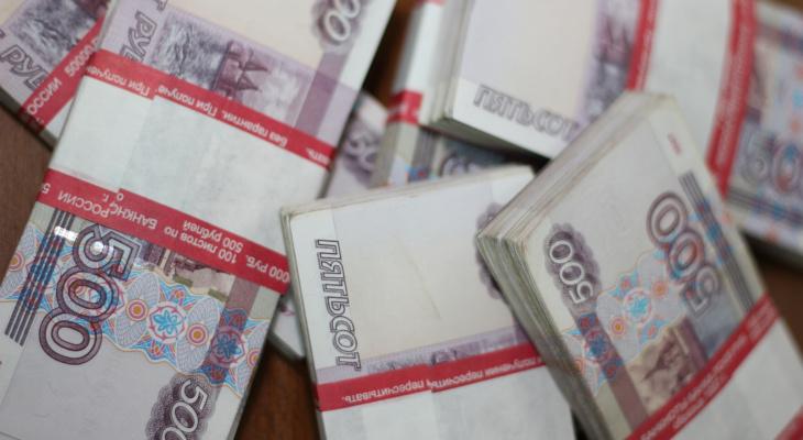 Россияне рассказали, какую зарплату они считают достойной