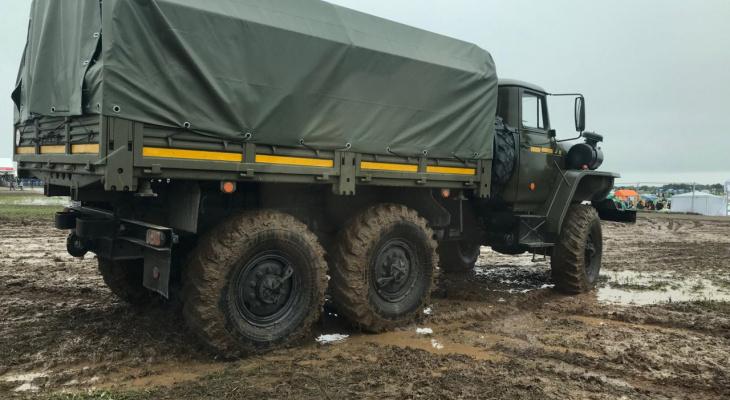 Росгвардия вытащила автомобили из «грязевого плена» AFP