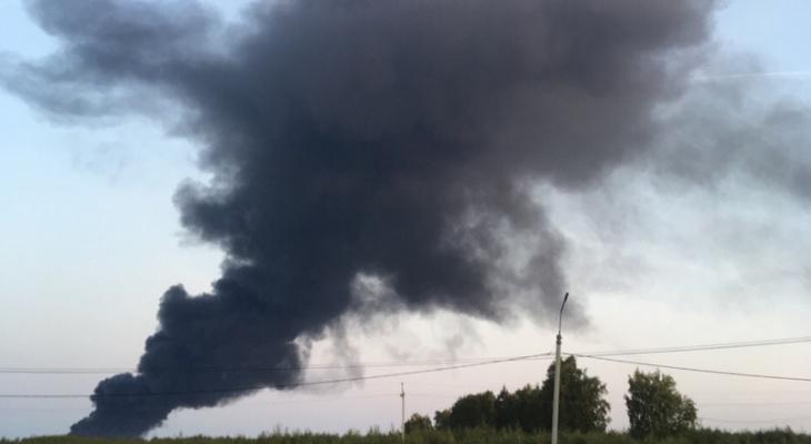 Склад с 500 тоннами масла горит в Богородском районе (ФОТО, ВИДЕО)
