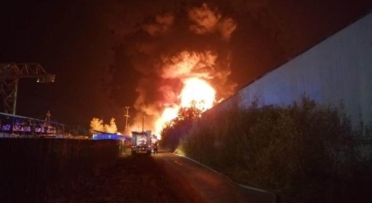 Стали известны подробности пожара на складе в Богородском районе (ВИДЕО)