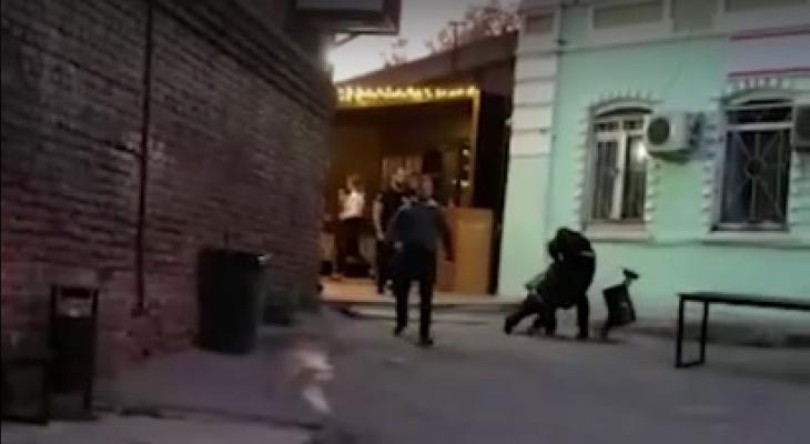 Охранники MILO CLUB сломали руку посетителю за то, что он снимал, как они бьют другого человека (ВИДЕО)