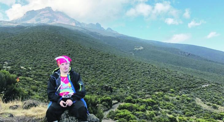 Нижегородец с синдромом Дауна Степан Безруков покорил Килиманджаро (ВИДЕО)