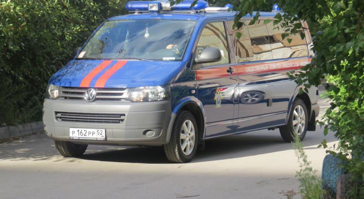 Пьяный правоохранитель разбил лобовой стекло чужого автомобиля на Нижневолжской набережной