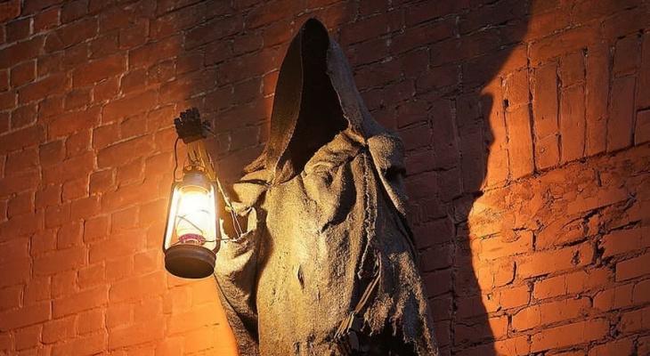 «Ночью лучше неходить»: Дементор из«Гарри Поттера» появился внижегородском дворе (ФОТО)