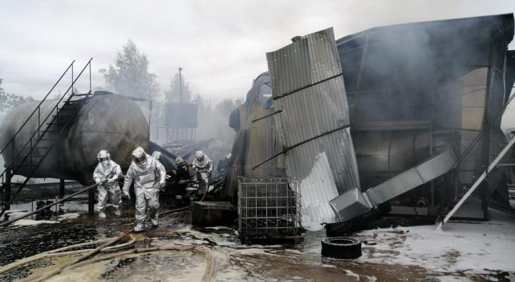 Емкости с дизельным топливом загорелись в промзоне Сормовского района (ФОТО, ВИДЕО)