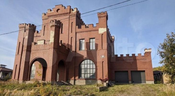 В Кстово продается особняк-замок