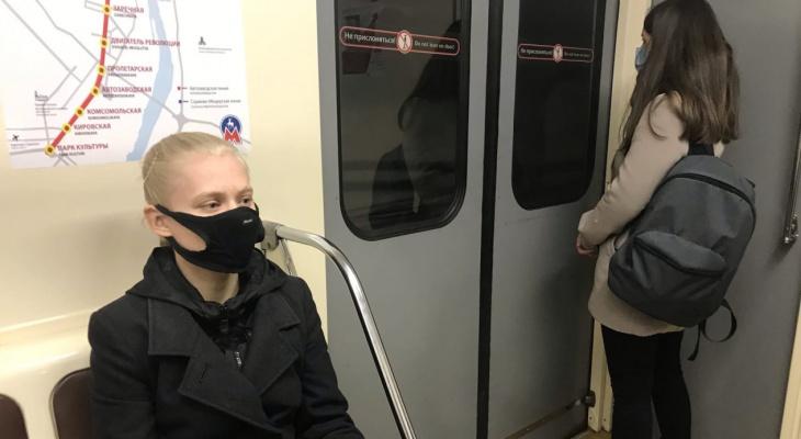 «Почему в метро можно дышать рядом»: нижегородцы об ограничениях в театре