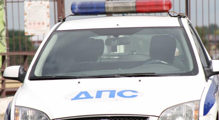 Мужчина угодил под колеса грузовика на«зебре» вВолодарском районе