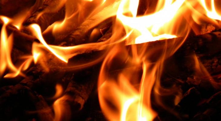 Нижегородка погибла в загоревшемся из-за гирлянды доме