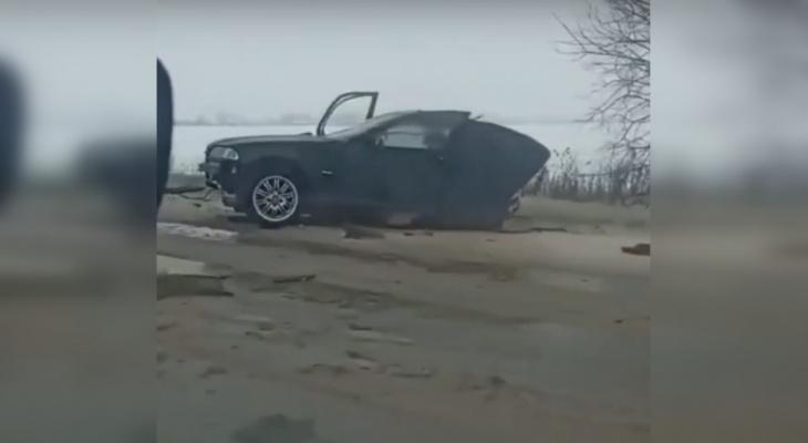 Иномарку разорвало на две части в ДТП в Арзамасском районе