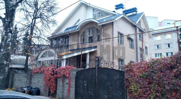 «Лучше, чем в Геленджике»: четырехэтажный дом за70млн рублей продают в центреНижнего Новгорода