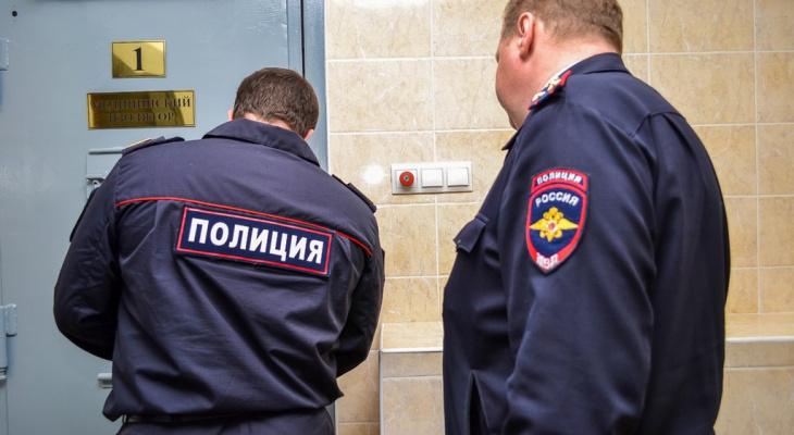 За порванную простыню нижегородку отправили в карцер СИЗО
