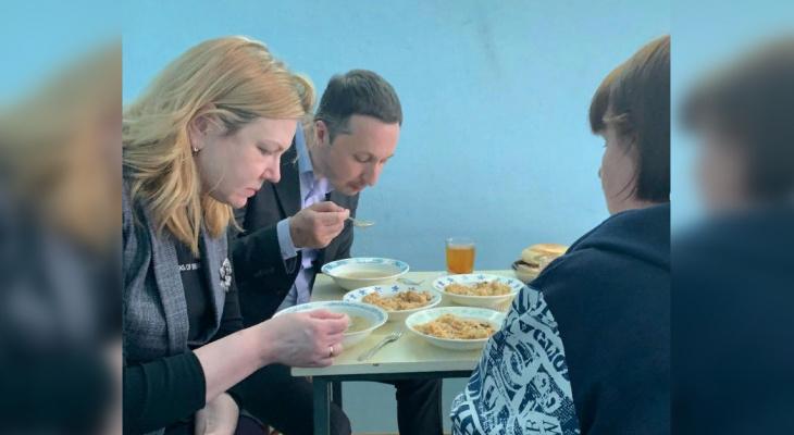 """Нижегородский журналист записал """"ответку"""" на новость регионального Минздрава о качестве еды в больницах"""