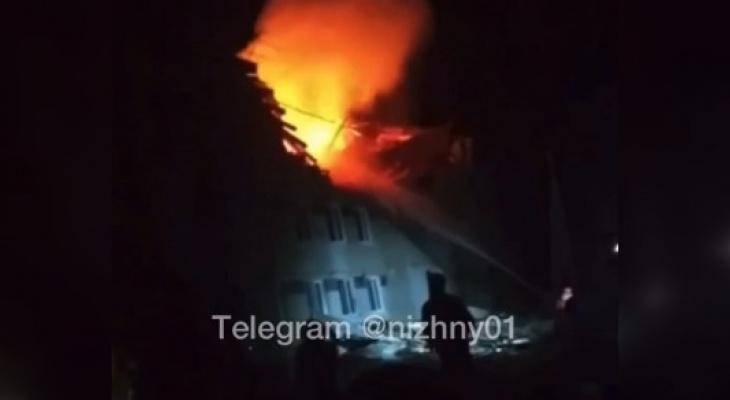Три человека пострадали при взрыве бытового газа в жилом доме в Дальнеконстантиновском районе