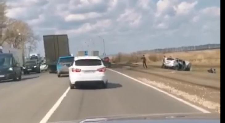 Две иномарки столкнулись на трассе в Кстовском районе: есть пострадавшие