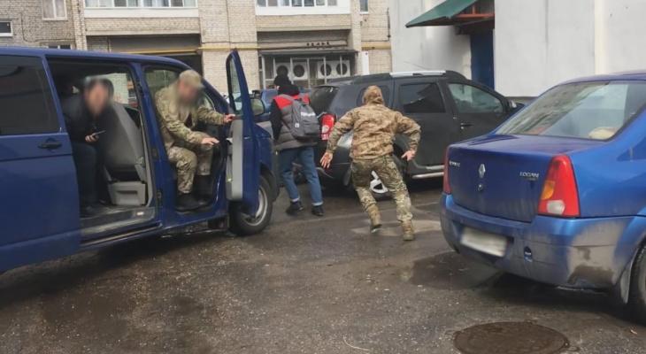 Оперативники ФСБ пресекли канал незаконной миграции в Нижегородской области