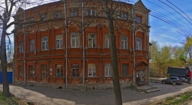 Руководство ДУКа отправят под суд за разрушающийся дом купца Лелькова