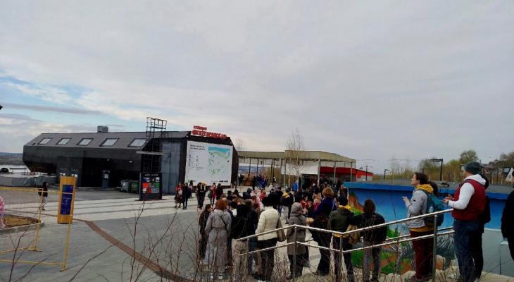Нижегородцы винят туристов в образовавшейся очереди на канатную дорогу