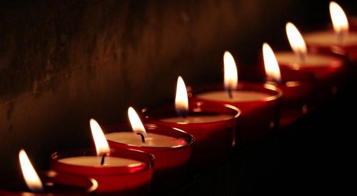 В Нижнем Новгороде возвели мемориал погибшим в казанской школе