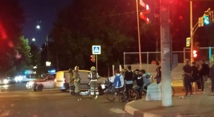 Мотоциклист и его спутница разбились в ДТП в Автозаводском районе