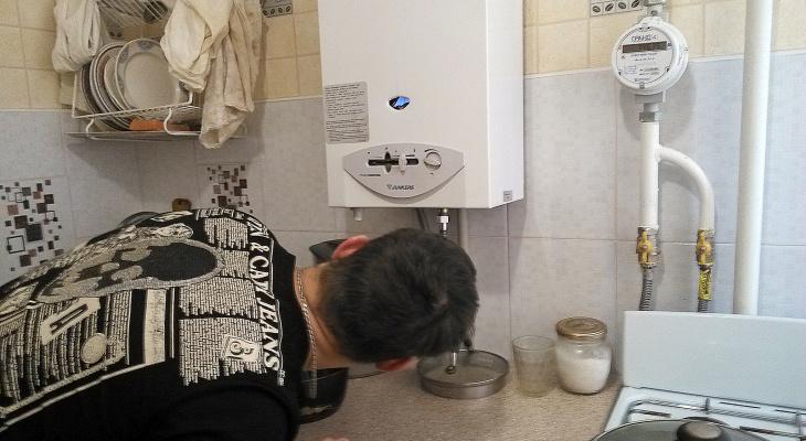 Мать с двумя детьми отравились угарным газом на Бору
