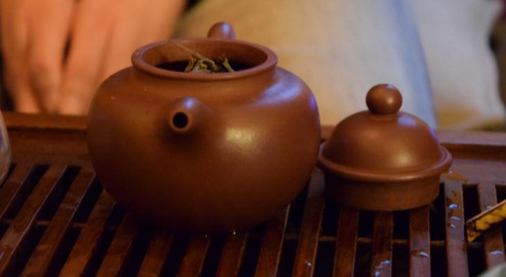 В зеленом чае обнаружили вещества для предотвращения коронавируса