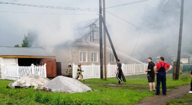 Дом сгорел от удара молнии в Кулебаках