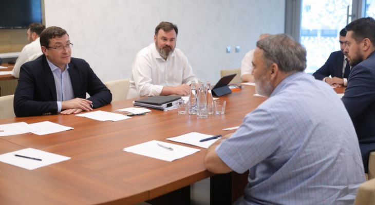 Глеб Никитин и Игорь Артемьев провели совещание по развитию регби в регионе